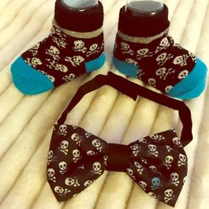 Other - Baby boy gift set w/ black skull bow tie milestone